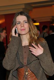 Пользователи сети поднялись на защиту Бориса Корчевникова после недоразумения с актрисой Анной Старшенбаум