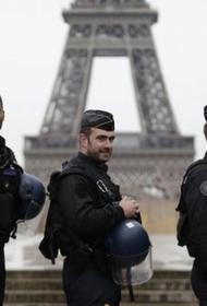 Во Франции режим ЧП из-за угрозы распространения COVID-19 продлен до 1 апреля