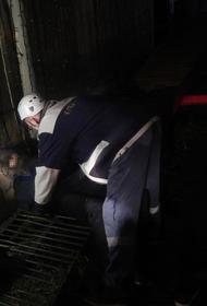 Спасатели помогли мужчине в Сочи вытащить застрявшую между арматурами руку