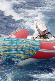 В Красноярском крае перевернулась надувная лодка с мотором