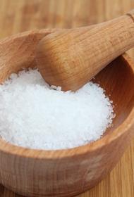 Ученые сообщили, как дефицит соли провоцирует болезнь сердца