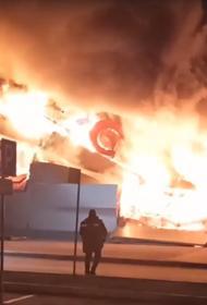 МЧС: Пожар в торговом центре в Рязани потушен
