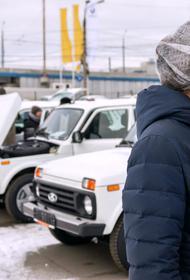 Челябинец подарил больницам Южного Урала десять автомобилей
