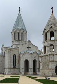 Армянская церковь обвинила Азербайджан в осквернении храма в Шуши