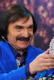 Амаяк Акопян заявил, что его пенсия составляет 19 тысяч рублей