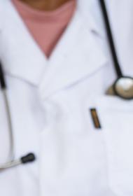В омском Минздраве объяснили, почему пациентка с поражением 90% легких была выписана из больницы
