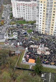 Что происходит сегодня в Минске сообщили очевидцы: для разгона протестующих применили слезоточивый газ и светошумовые гранаты