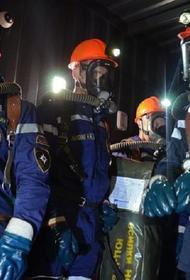 В столичном районе Южное Бутово спасатели освободили запертую в машине годовалую девочку