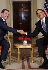 Обама рассказал, как Медведев предложил военным США использовать воздушное пространство России