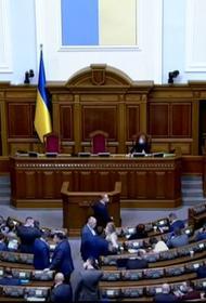 Депутат Рады Пушкаренко считает, что на Украине необходимо ввести тотальный локдаун