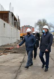 Евгений Первышов оценил процесс строительства нового спортцентра КГУФКСТ