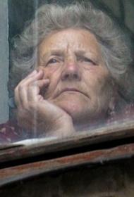 Хабаровчане старше 65 лет переходят в самоизоляцию