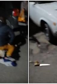 В Новороссийске мужчина напал на девушку с ножами