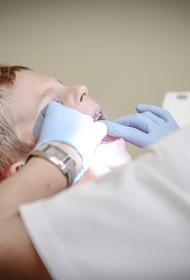 Ученые выявили неожиданное осложнение в виде выпадения зубов у пациентов, переболевших коронавирусом