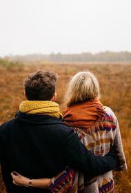 Психолог рассказала, почему знакомства в интернете помогают застенчивым людям