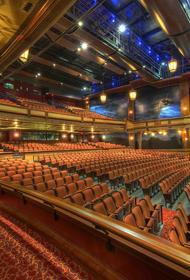 «Показалось, что в зале никого и нет»: Ирина Муравьева о сложной игре в полупустом зале Малого театра
