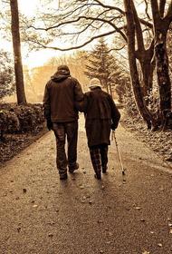 Геронтолог рассказал, как карантин вредит пожилым людям