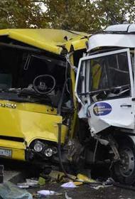 При столкновении двух автобусов в Анапе пострадали девять человек