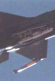 В США на полигоне, впервые, F-35 сбросил ядерную бомбу B-61-12