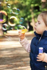 Эпидемиолог Александр Горелов перечислил симптомы коронавируса у детей