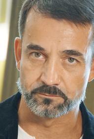 Певцов показал поклонникам бицепс, комментируя слухи о своей «смерти»