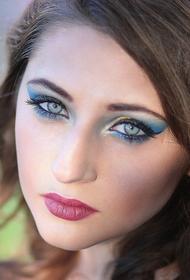 Исследователи рассказали,  что цвет глаз влияет на предрасположенность к болезням