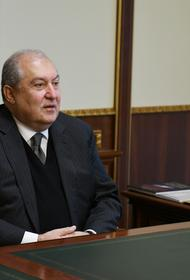 Президент Армении отправился с частным визитом в Москву