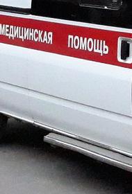 В Челябинске автомобиль после ДТП выехал на тротуар и сбил двух пешеходов
