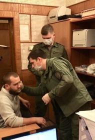 В СКР сообщили о троих задержанных по подозрению в убийстве семьи на даче в Волоколамске