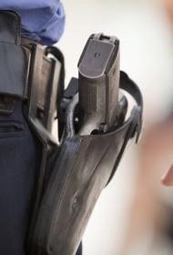 В Москве полицейский выстрелил в девочку. Она утверждает, что он ее домогался