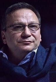 Популярный телеведущий Игорь Угольников госпитализирован с пневмонией в Москве. Он заразился коронавирусом