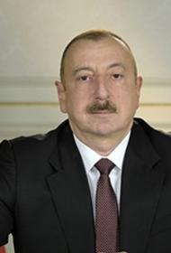 На параде в Баку Алиеву и Эрдогану показали сожженные армянские «Грады»