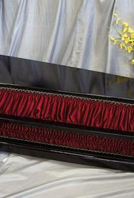 В Калининградской области закончились гробы. Но на новогодние праздники забронировано 90% гостиниц