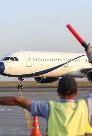Пассажир авиарейса Омск – Москва умер во время полета