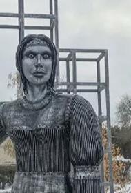 Жители Нововоронежа требуют снести  «позорящий город» памятник – подарок местных властей