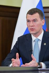 Врио губернатора Михаил Дегтярев рассказывает московским журналистам, что хабаровчане в нем души не чают