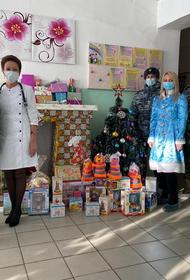 Хабаровский ОНФ поздравил воспитанников Дома ребенка при колонии