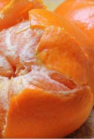 Россияне стали покупать меньше мандаринов и шампанского