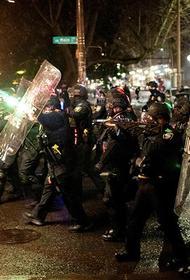 Последний «булыжник» от 2020-го: в США полицейские гоняли хулиганов в новогоднюю ночь