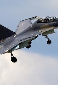 Истребители Су-30СМ Ленинградской армии ВВС и ПВО охраняют воздушные рубежи России