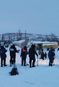 Спасатели, разбирающие завалы после схода лавины в Красноярском крае, обнаружили тело мужчины. Поисковые работы завершены
