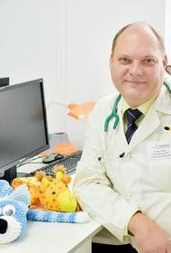 Врач Евгений Тимаков сообщил, что новый штамм коронавируса опасен для некоторых детей