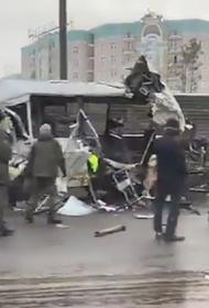 В Подмосковье произошло ДТП с грузовиком и военными автобусами, есть погибшие