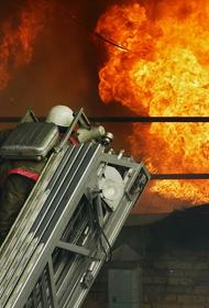 Предварительной причиной пожара в жилом доме в Екатеринбурге назвали неосторожное обращение с огнем