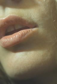 Ученый назвал язвочки в полости рта и «ковидный язык» редкими симптомами коронавируса