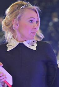Заявление об уходе фигуристки Константиновой из академии Плющенко сделала продюсер Рудковская
