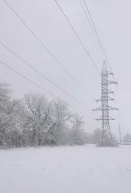 Специалисты устраняют нарушения из-за метели на электросетях