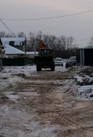 В Хабаровске сточные воды льются прямо на улицы