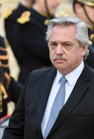 Президент Аргентины вакцинировался от коронавируса «Спутником V»