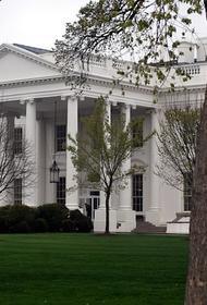 В Белом доме заявили, что не комментируют вероятность телефонного разговора Байдена и Путина